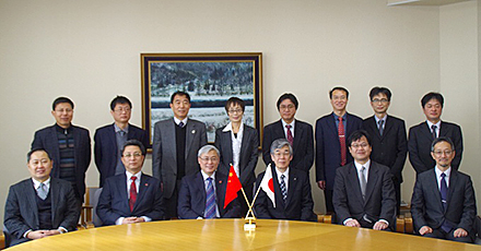 Commemorative Photograph surrounded Vice President Wu and Executive Vice President Hara