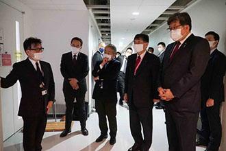 科学 大臣 文部 羽生田 萩生田光一文部科学大臣が創価大学を視察されました